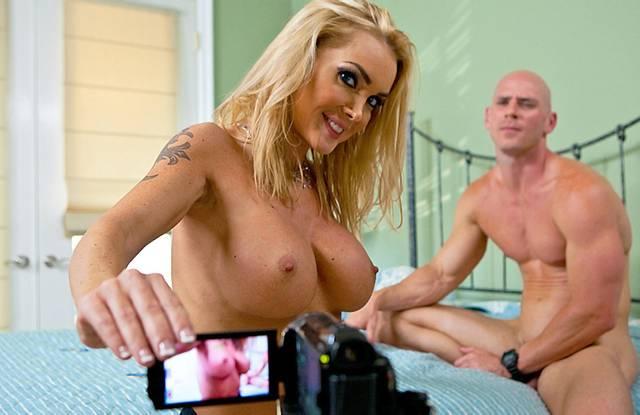 Замужняя фифа снимает порно - измена с любовником
